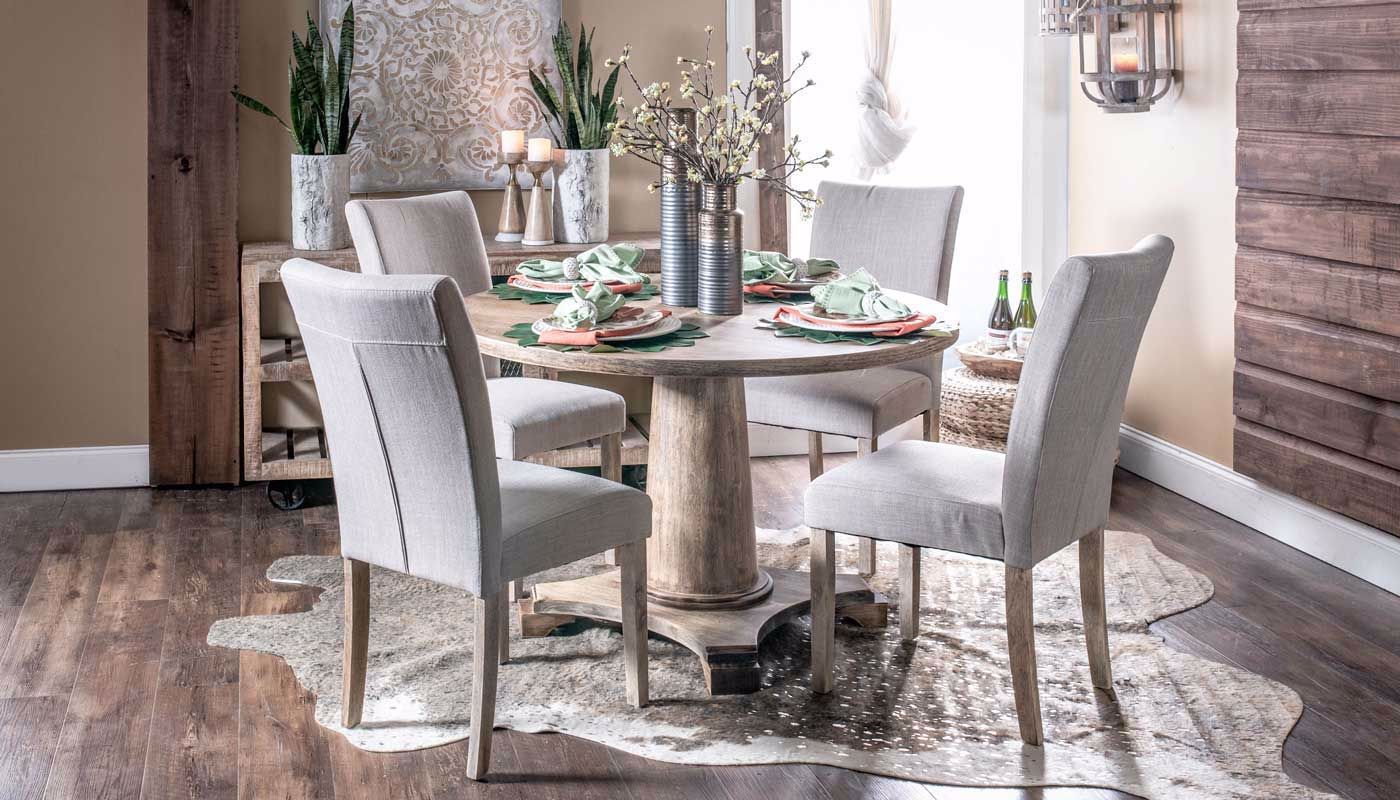 Robinson Table & Chairs