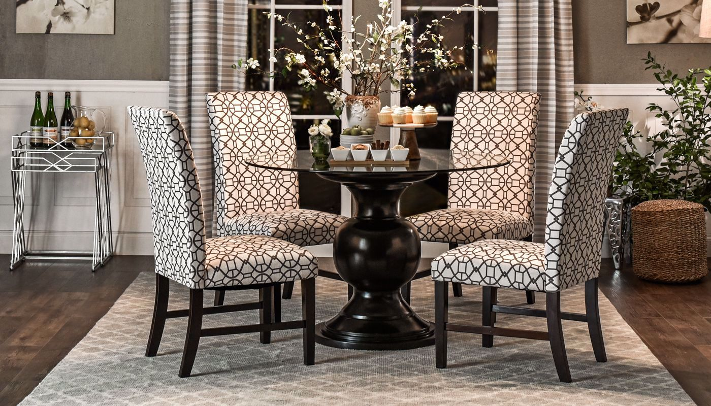 Picture Of Malaga Table 4 Taupe Chairs