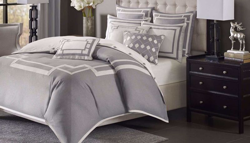 Picture of Savoy Comforter Set