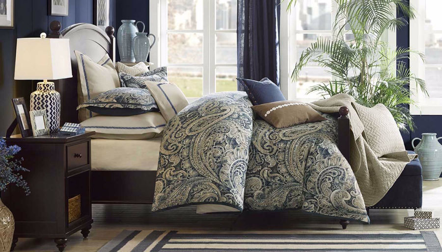 Picture of Urban Chic Comforter Set