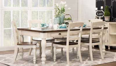 Monticello Table & 4 Chairs