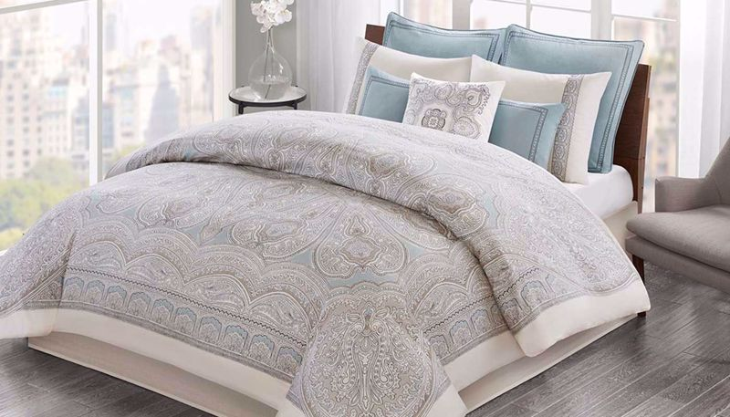 Picture of Larissa Comforter Set