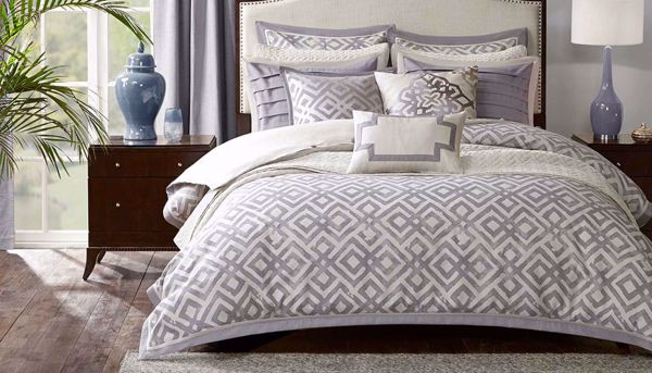 Picture of Stein King 9-Piece Comforter Set