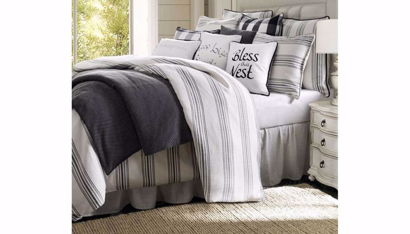 Picture of Blackberry Comforter Set