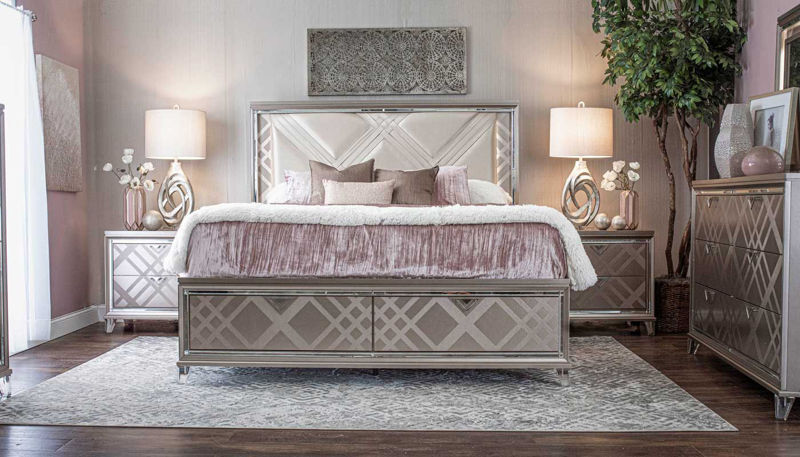 Imagen de Kendall 3 Piece King Bed, Dresser, Mirror, & Nightstand