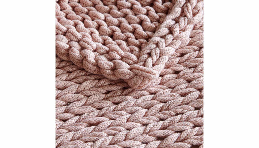 Picture of Chunky Double Knit Throw Blush