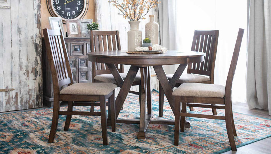 Imagen de Carrie Dining Table & Chairs