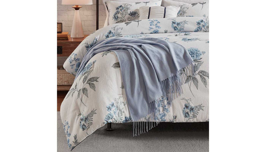 Picture of Zennia 7-Piece Comforter Set