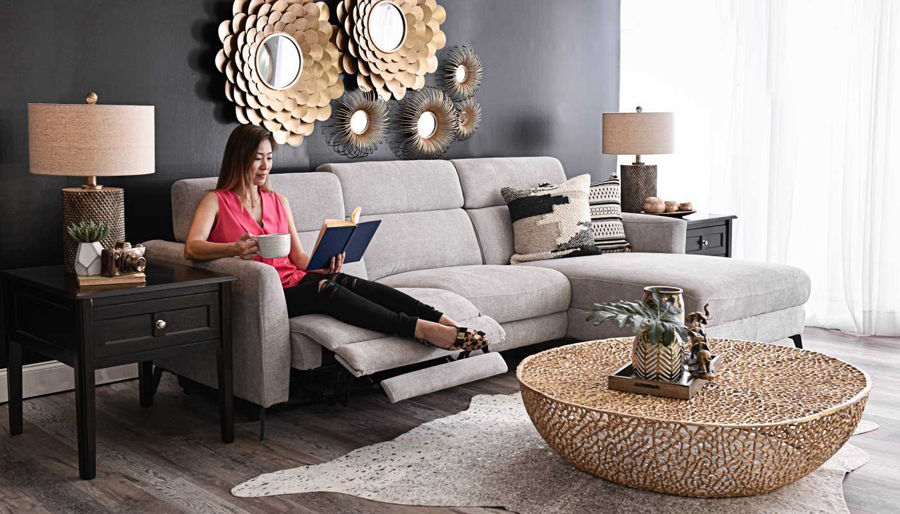 Imagen de James Light Grey Sectional with Chaise