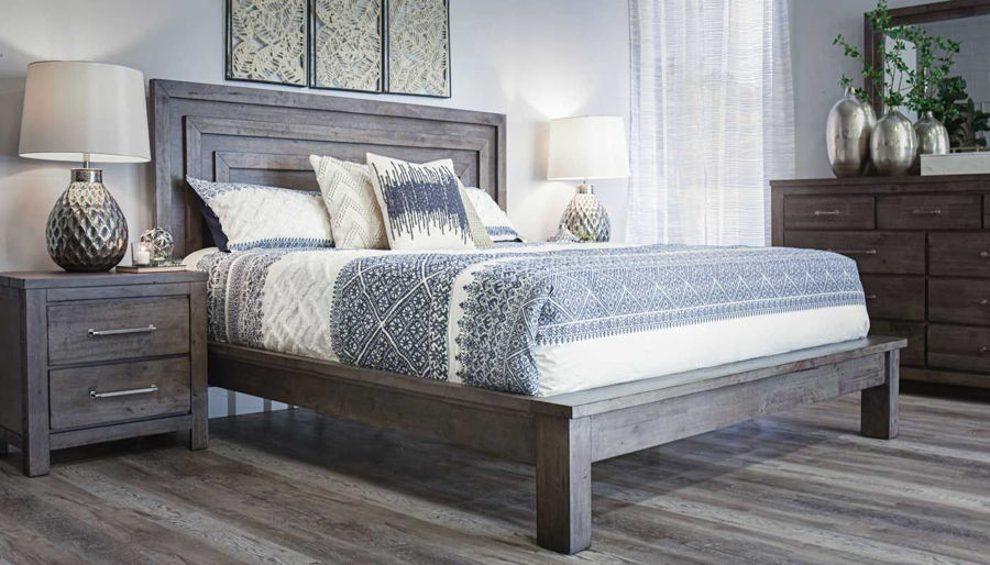 Imagen de Matrix King Bed, Dresser & Mirror