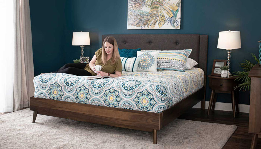 Imagen de Allie King Bed, Dresser, Mirror & 2 Nightstands