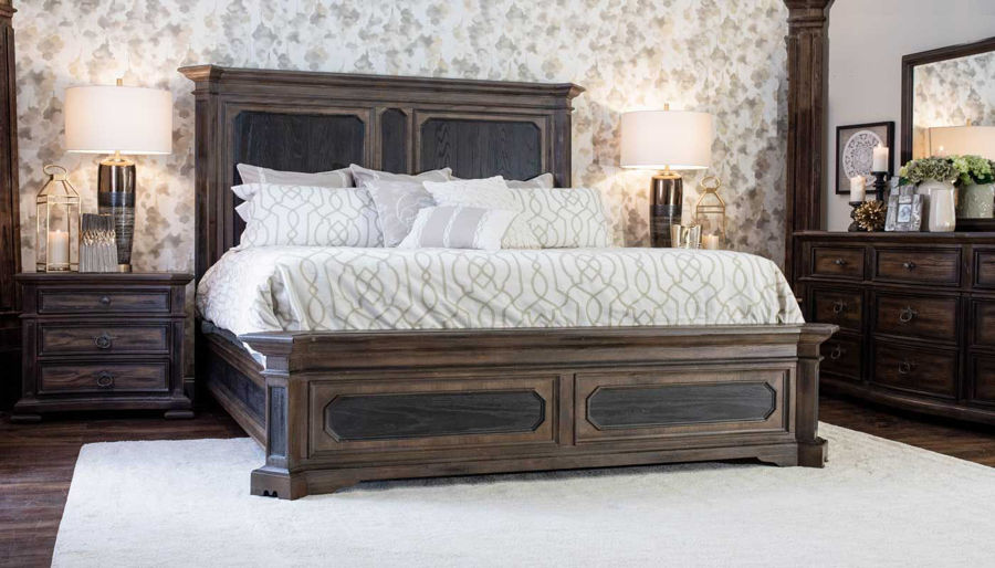 Imagen de Briarwood King Bed, Dresser, Mirror, Nightstand & Chest