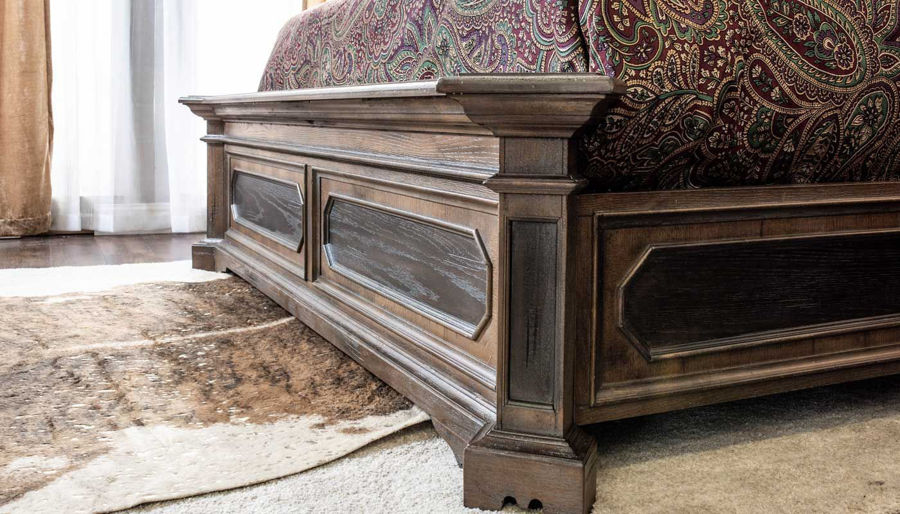 Imagen de Briarwood Queen Bed, Dresser, Mirror & 2 Nightstands