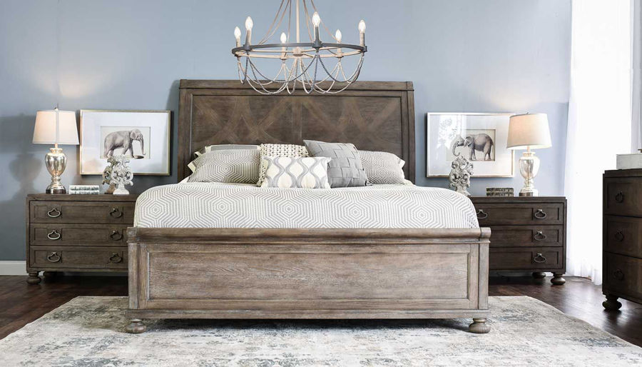 Imagen de Malibu King Bed, Dresser, Mirror & 2 Wooden Nightstands