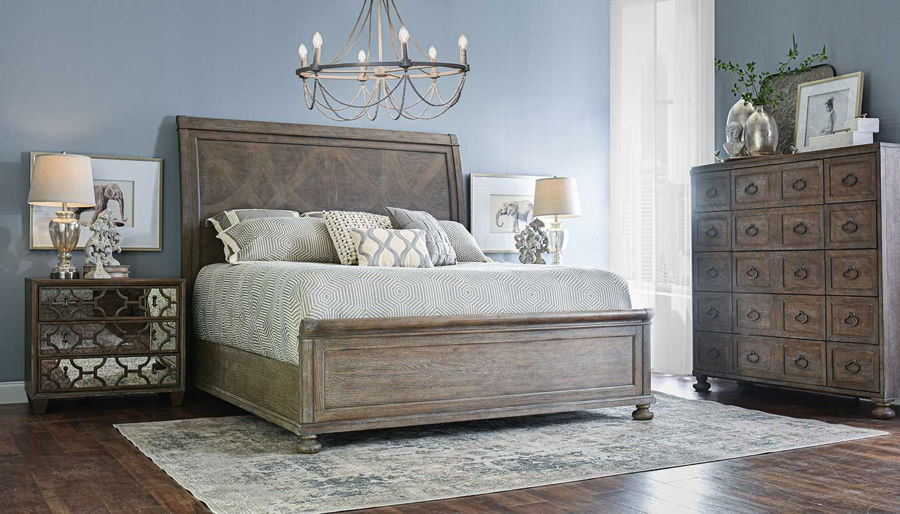 Imagen de Malibu Queen Bed, Dresser, Mirror & 2 Mirrored Nightstands