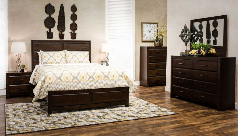 Imagen de Nickolas 7 Piece King Bed, Dresser, Mirror & 2 Nig