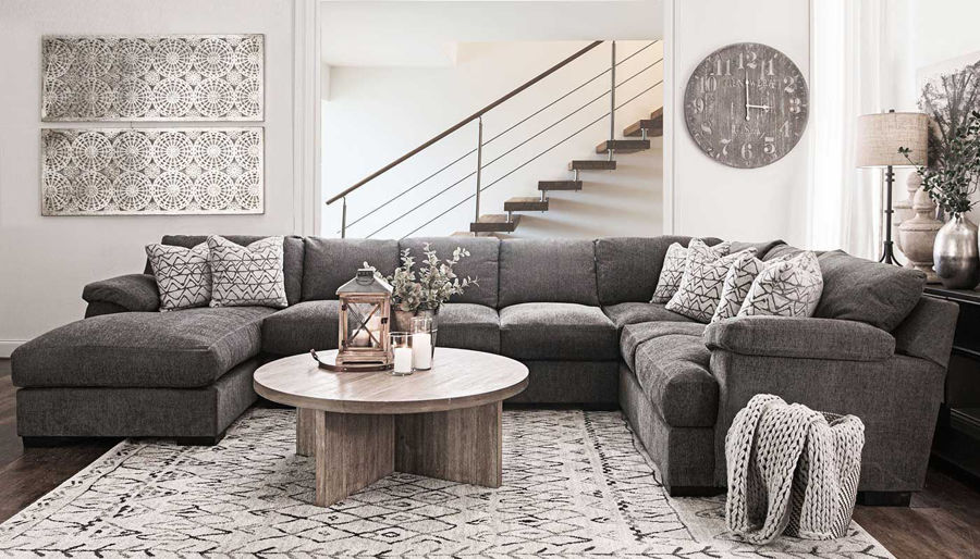 Picture of Bermuda II Sectional With Chaise