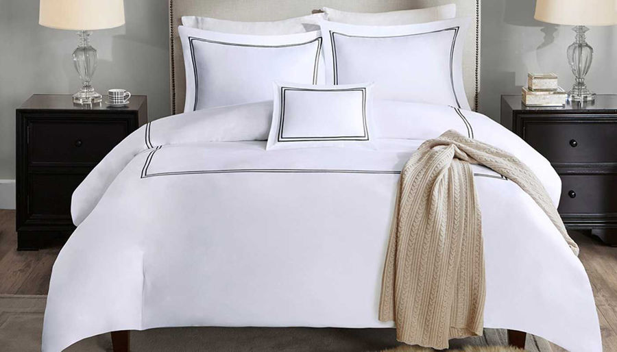 Picture of Luxury Sateen White With Black Comforter Set