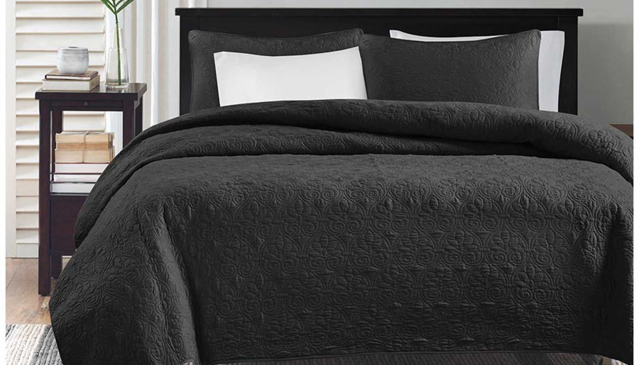 Picture of Quebec Reversible Coverlet